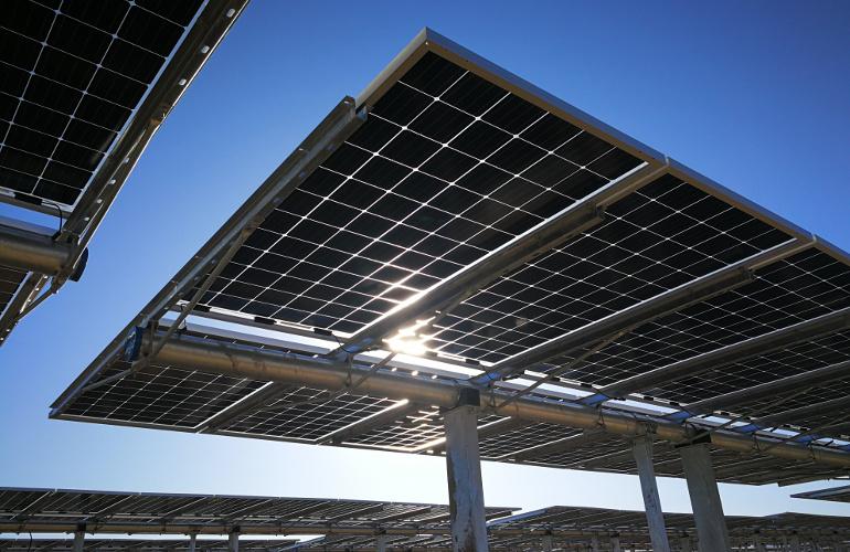 solarcellcenter.com/img/cms/LONGi Solar Mono PV/longi-bifacial